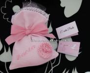 Sacchettini bomboniera portaconfetti rosa con fiore per Paola