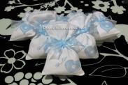 Sacchettini bomboniere portaconfetti celeste con cuore per Giulio