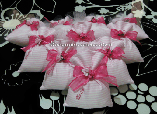 Sacchettini bomboniere portaconfetti rigati con fiori per Gaia