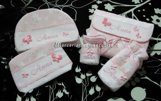Set per nascita - Beauty, bustina coprifasciatoio, porta nineron e ciuccio fantasia con nuvole per Anna