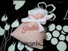 Sacchettini bomboniere portaconfetti rosa pois per Giulia