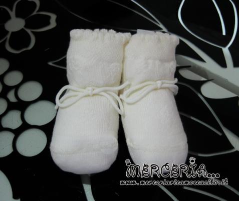Scarpette panna in lana con laccetto