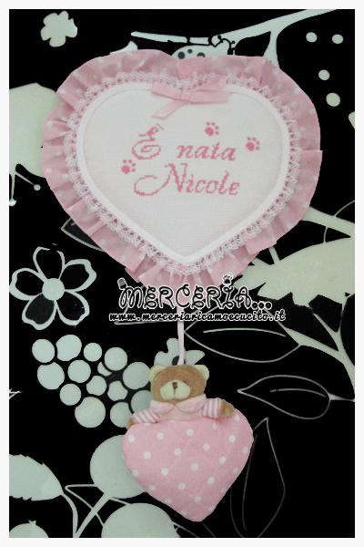 """Fiocco nascita cuore rosa pois con orsetto """"E' nata Nicole"""""""