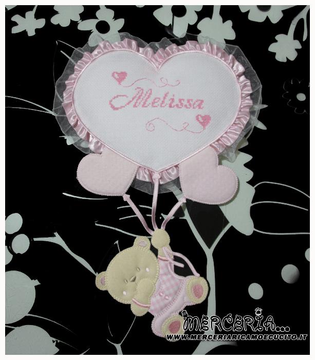 Fiocco nascita rosa con orsetto su palloncini cuore per Melissa