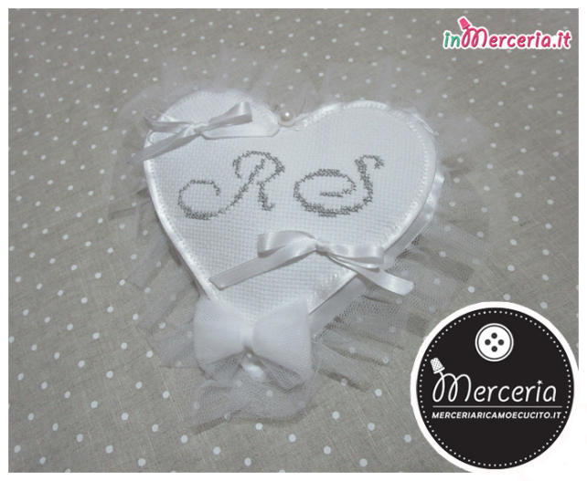 Cuscino portafedi cuore con iniziali argento R.S.