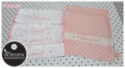 Sacco nascita e asilo rosa con stelle e asciugamani con cuori per Sara