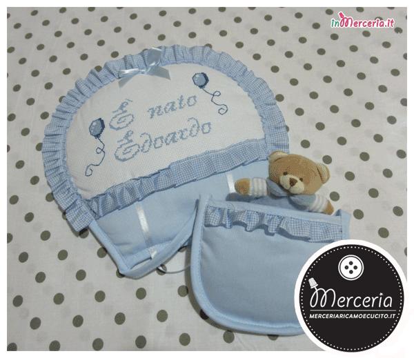 Set nascita - Fiocco nascita mongolfiera celeste, sacchetto rigato con e bavetta con orsetto per Edoardo