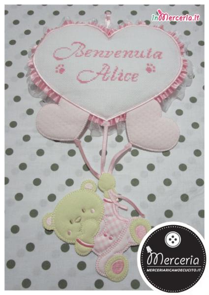 Fiocco nascita rosa con orsetto su palloncini cuore per Alice