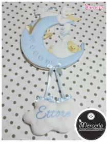 """Fiocco nascita luna celeste """"Eccomi"""" con cicogna e nuvola pendente per Ettore"""
