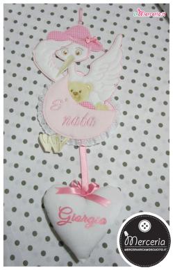 """Fiocco nascita cicogna rosa """"È nata"""" con cuore per Giorgia"""
