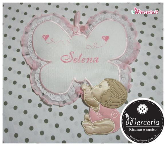 Fiocco nascita farfalla rosa con bebè per Selena