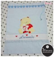 Set corredino per nascita - Fiocco nascita, sacchetto e busta portaoggetti, bavette, lenzuolino e copertina per Leonardo