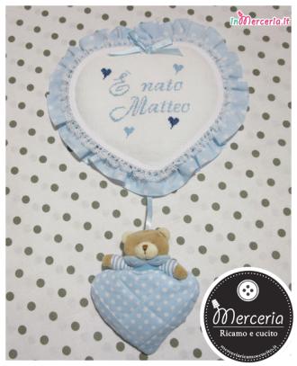 """Fiocco nascita cuore pois celeste con orsetto """"È nato Matteo"""""""
