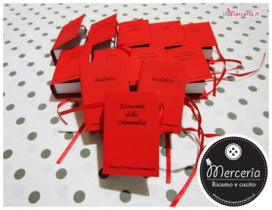 Bomboniera portaconfetti a forma di libro per la Laurea della Dott.ssa Veronica