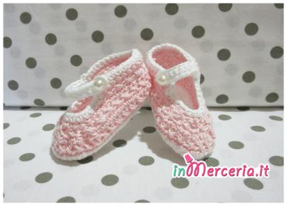 Scarpette all'uncinetto in cotone per neonata