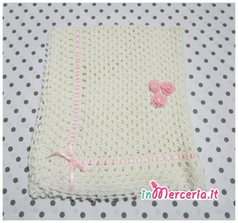 Copertina bebè in lana per neonata con fiori