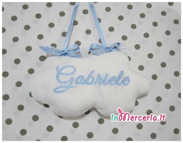 """Fiocco nascita con palloncini """"È nato un bimbo"""" e nuvola pendente per """"Gabriele"""""""