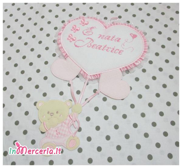 Fiocco nascita rosa con orsetto su palloncini cuore È nata Beatrice