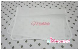 Asciugamani in cotone e bavetta bandana in lino per Matilde e Edoardo
