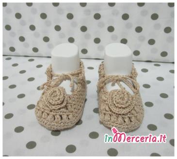 Giacchino e scarpette di cotone per neonato