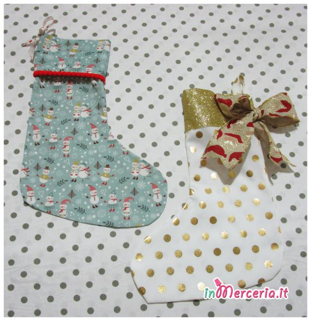 Calze della befana con pois dorato e pupazzi di Natale