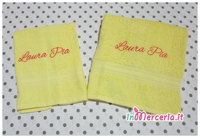 """Coppia asciugamani in spugna gialla per """"Laura Pia"""""""