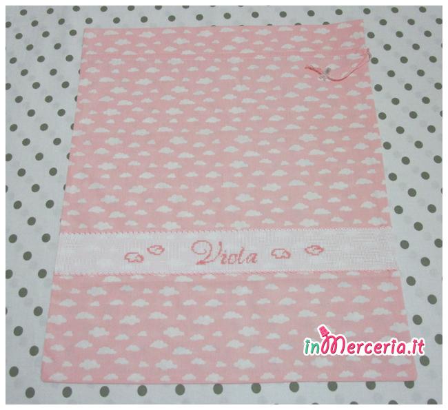 Sacchetto e sacchettino rosa con nuvole nascita e asilo per Viola
