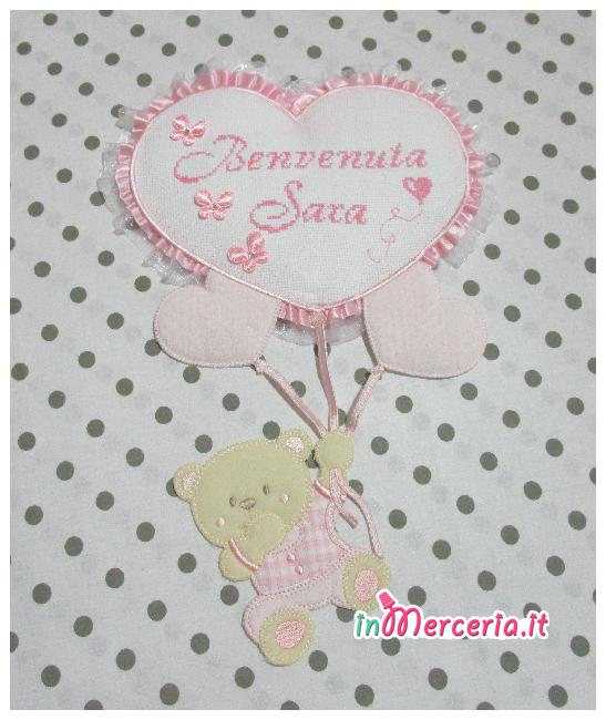 """Fiocco nascita rosa con orsetto su palloncini cuore """"Benvenuta Sara"""""""