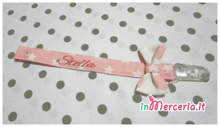 Bavetta bandana e clip portaciuccio rosa per Stella