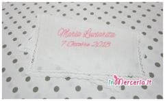 Camicina-bavaglino-e-asciugamano-battesimo-in-lino-per-Maria-2