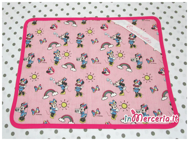 Set asilo Minnie Mouse – Sacchetto, asciugamano, bavetta e tovaglietta per Esmeralda