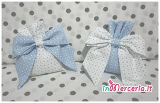 Set corredo neonato con cuore - Accappatoio, coprifasciatoio, sacchetto primo cambio, lenzuolino, bavaglia e sacchetti bomboniera