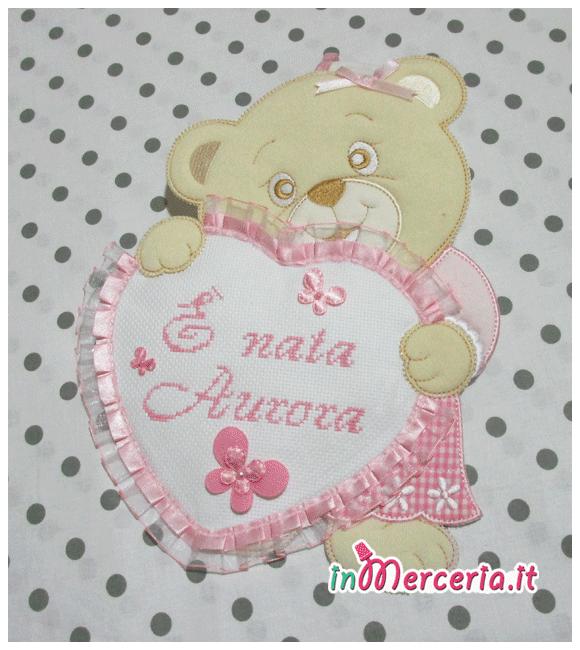 Fiocco nascita orsetto con cuore rosa È nata Aurora