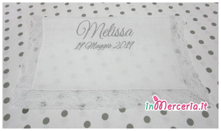"""Asciugamano in lino con valenciennes per il battesimo di """"Melissa"""""""