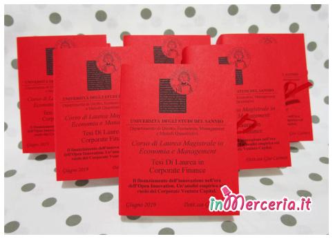 """Bomboniere portaconfetti a forma di libro per la Laurea Magistrale in Economia e Management della """"Dott.ssa Giso"""""""