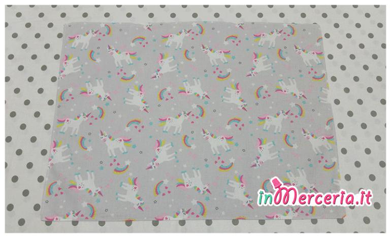 Tovagliette e pochette portaoggetti con unicorni