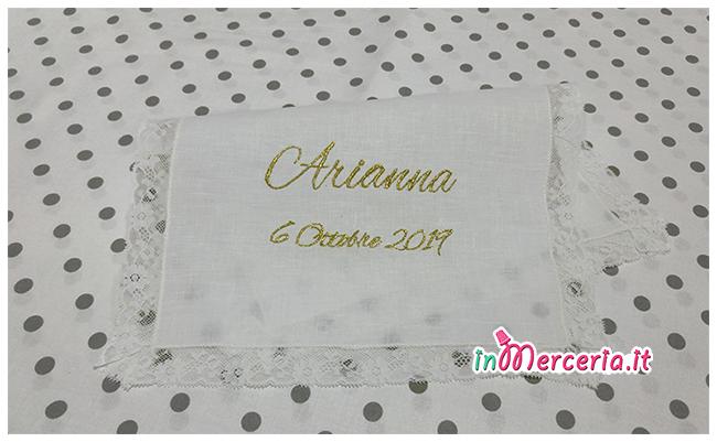 """Asciugamano in lino con valenciennes per il battesimo di """"Arianna"""""""
