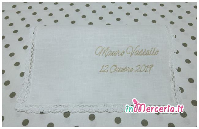 Asciugamano in lino con merletto per il battesimo di Mauro