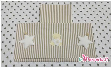 Set lenzuolino neonato rigato con stelline e orsetto