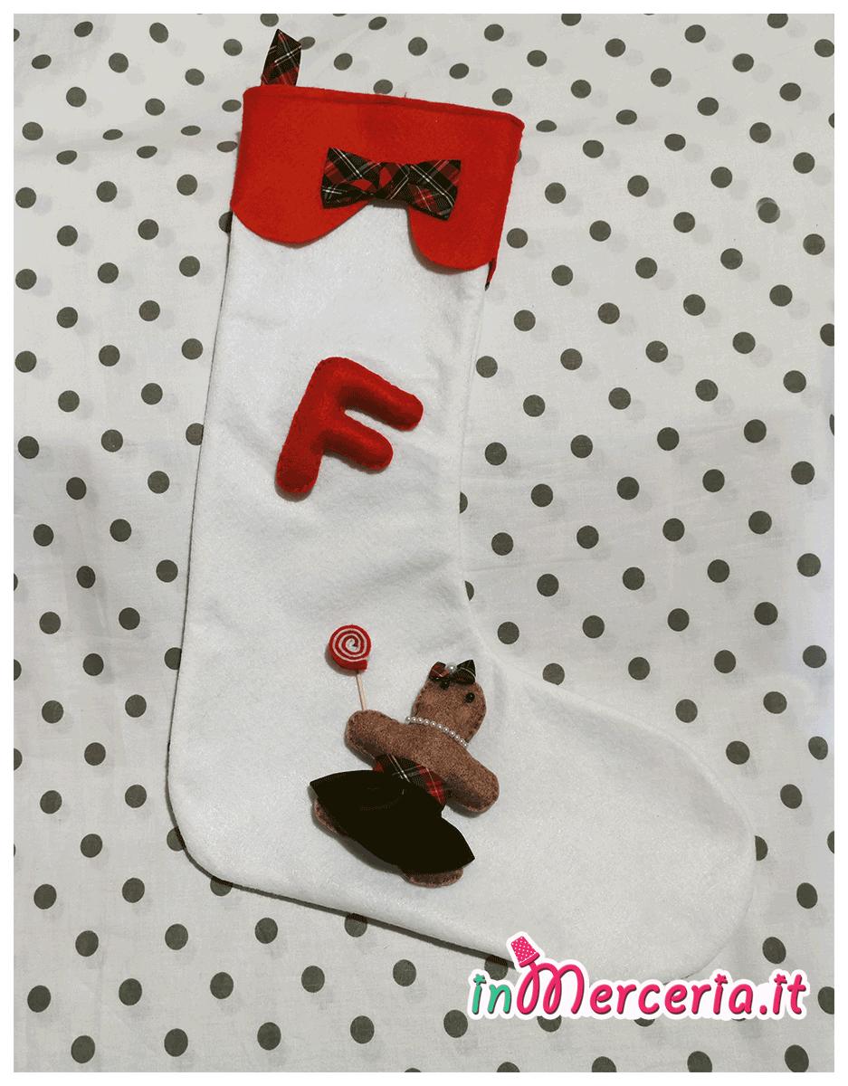 Calza della befana con ginger e iniziale del nome F