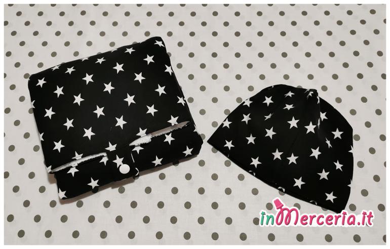 Fasciatoio da viaggio portatile e berretto neonato in jersey fantasia con stelle
