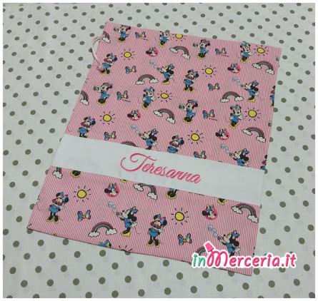 Set asilo Minnie Mouse – Sacchetto, asciugamano, bavetta e tovaglietta per Teresanna