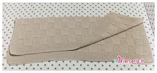 Copertina neonato in lana con quadretti