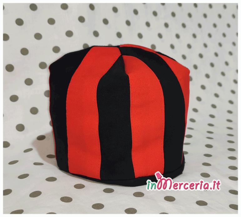 Camicina della fortuna e cappellino neonato rosso blu