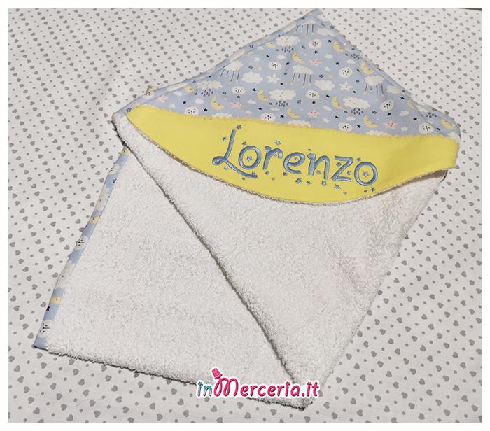 Accappatoio neonato con nuvole e stelle per Lorenzo  Acquistalo sul nostro sito #inMerceria ➡ www.inmerceria.it